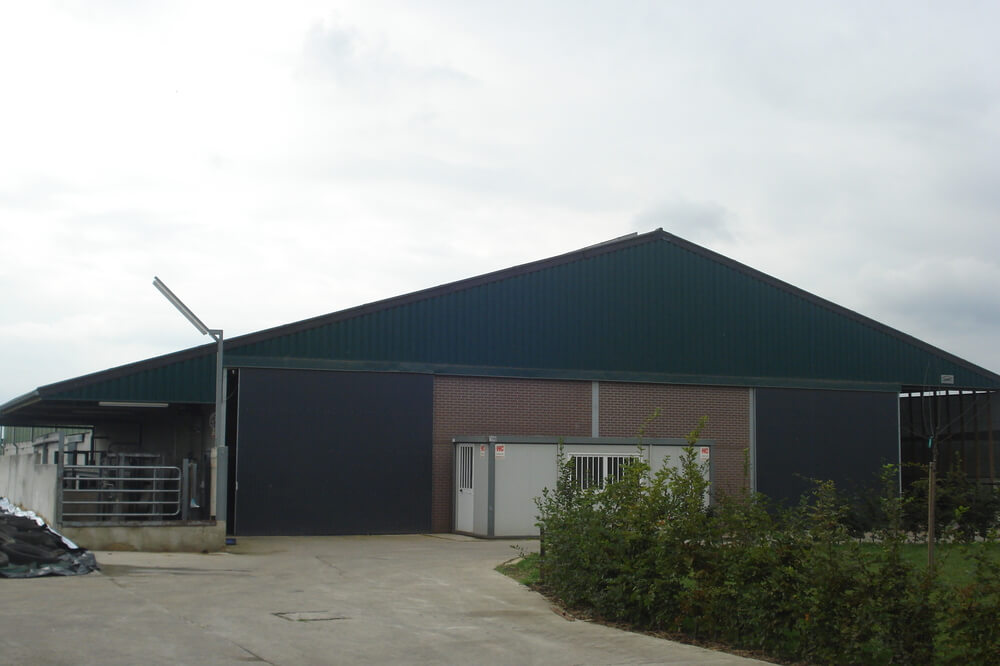 Constructions Louwet SA - Stallenbouw - Construction d'étable bovin - Construction de bâtiment agricole dans la province de Limbourg - Bouwen van industriële en agrarische gebouwen in provincie Limburg - Construction métallique - Metaalbouw