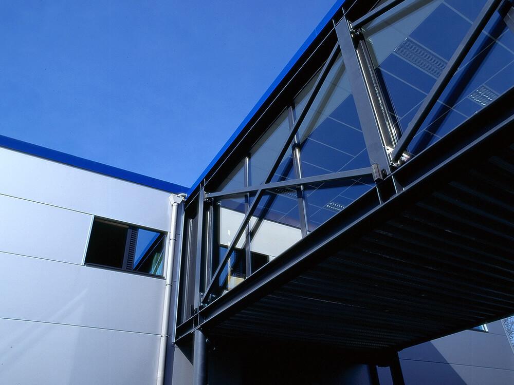 Constructions Louwet SA - Construction de magasin dans la province de Namur - Winkelbouw - Bouwen van winkel gebouwen in de provincie Namen - Construction métallique - Metaalbouw - Colonnes métallique - Stalen kolommen