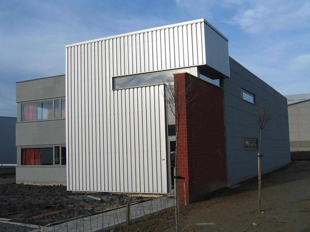 Constructions Louwet SA - Construction de bâtiment industriel dans la province de Liège - Bureau - Kantoren - Industriebouw - Bouwen van industriële gebouwen - Construction métallique - Metaalbouw - Colonnes métallique - Stalen kolommen