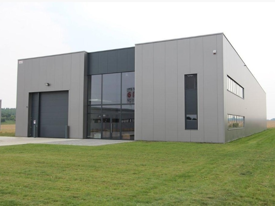 Constructions Louwet SA - Construction de bâtiment industriel - Industriebouw - Kantorenbouw - Construction de bureau - Province de Liège - Luik - Staalbouw - Construction métallique - Charpente métallique - Construction industriel - Construction de bâtiment agricole - Agrobouw - Winkelbouw - Construction de magasin